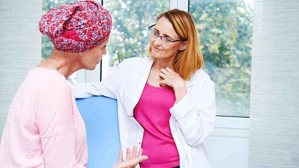 Які слова не варто говорити хворим на рак