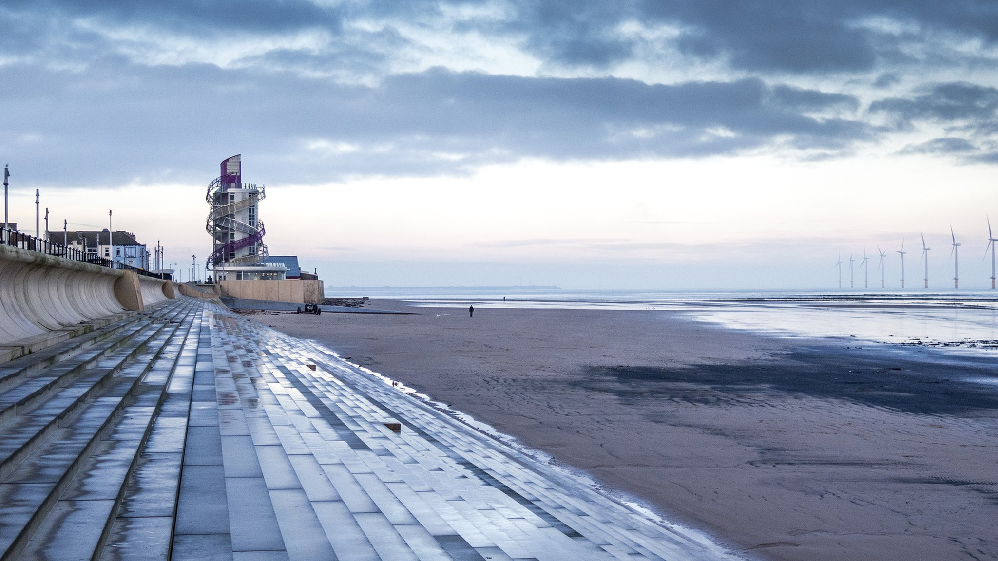 Beer-carrying man rescued from the sea at Redcar
