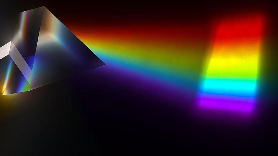 Prisma difractando la luz