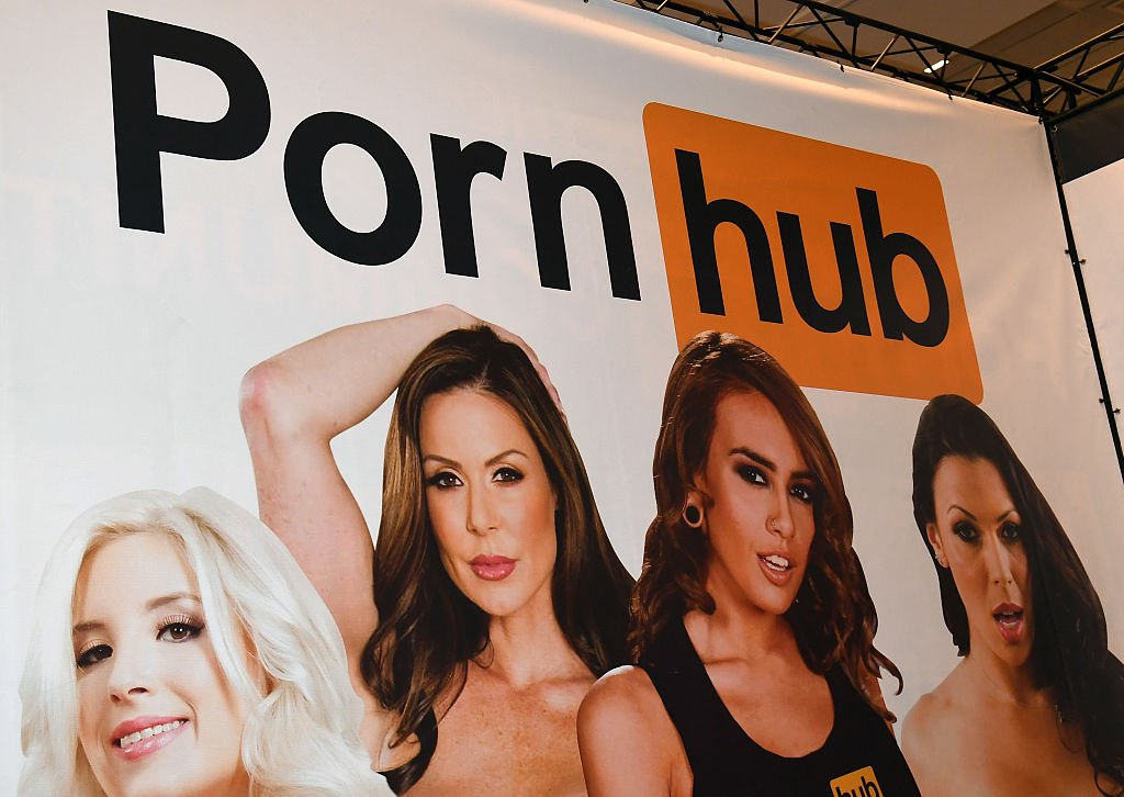 Un cartel de Pornhub
