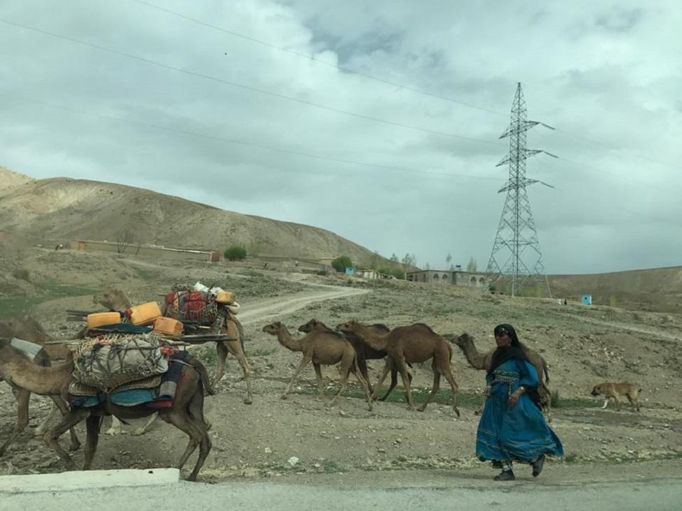 Imagen tomada por Bilal Sarwary en la carretera de Paktia-Gardia.