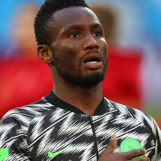 Antes del partido, el capitán de Nigeria tuvo que bloquear los pensamientos sobre lo que estaba pasando su padre.