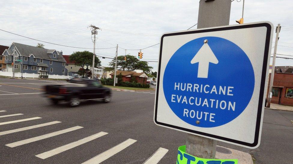 Señales de advertencia de evacuación el 21 de agosto.