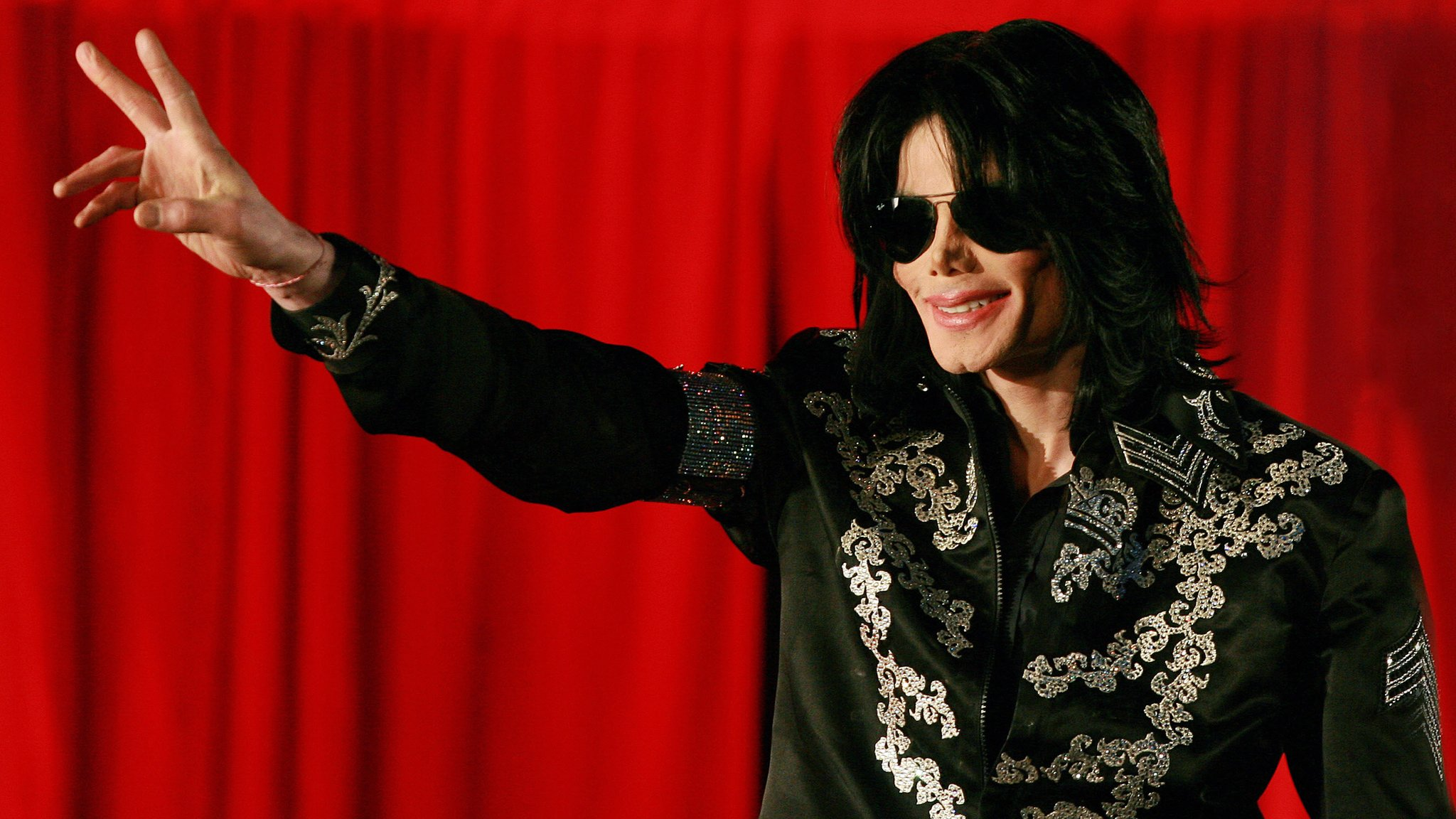 BBC News - Michael Jackson: The story of the troubled star's final day, 10 years on