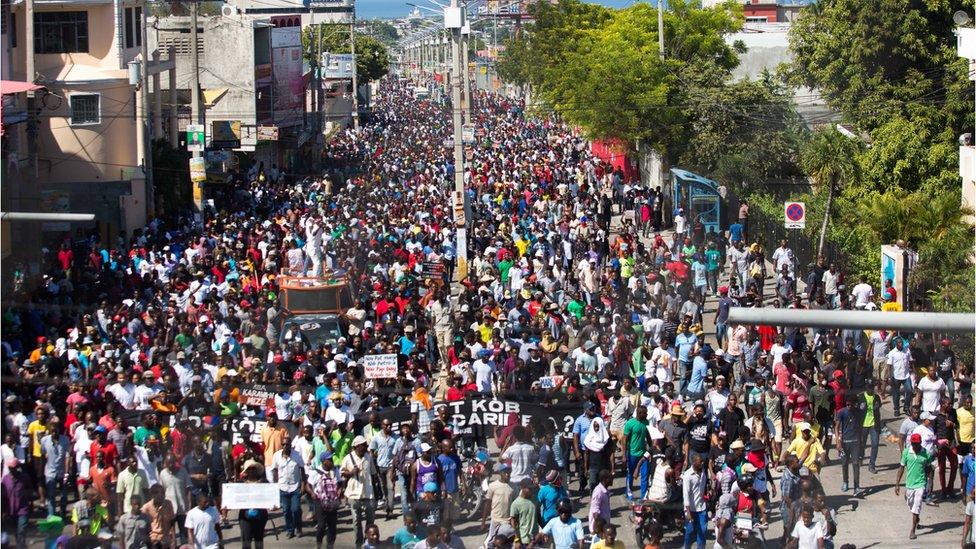 Miles de haitianos salieron a las calles a exigir una investigación sobre el uso de los fondos de PetroCaribe.