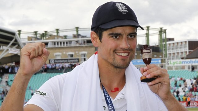 Alastair Cook with the Ashes urn