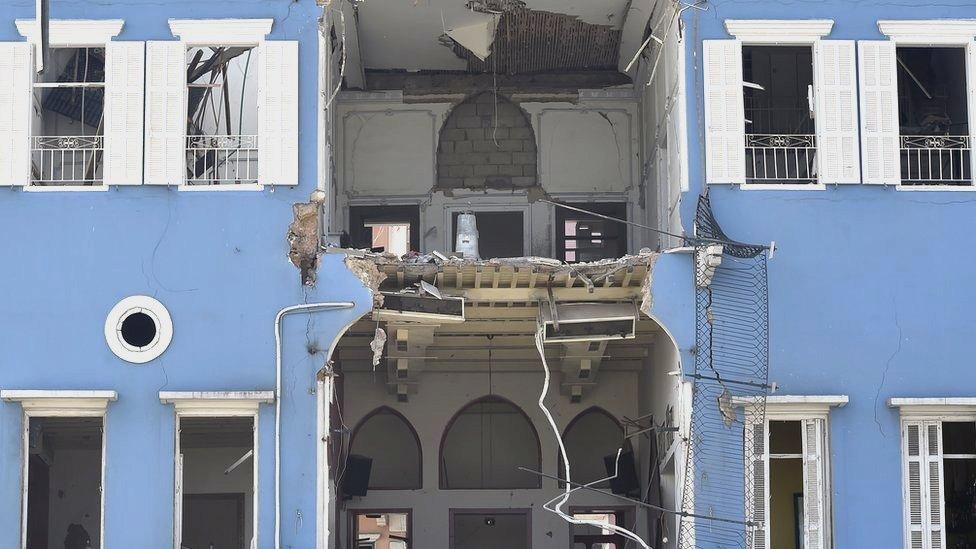 Взрыв в Бейруте: какие фейки и теории заговора появлялись в соцсетях