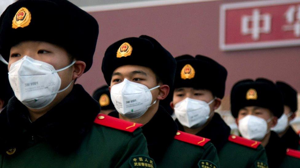 Коронавирус в Китае: число жертв растет, жизнь замерла