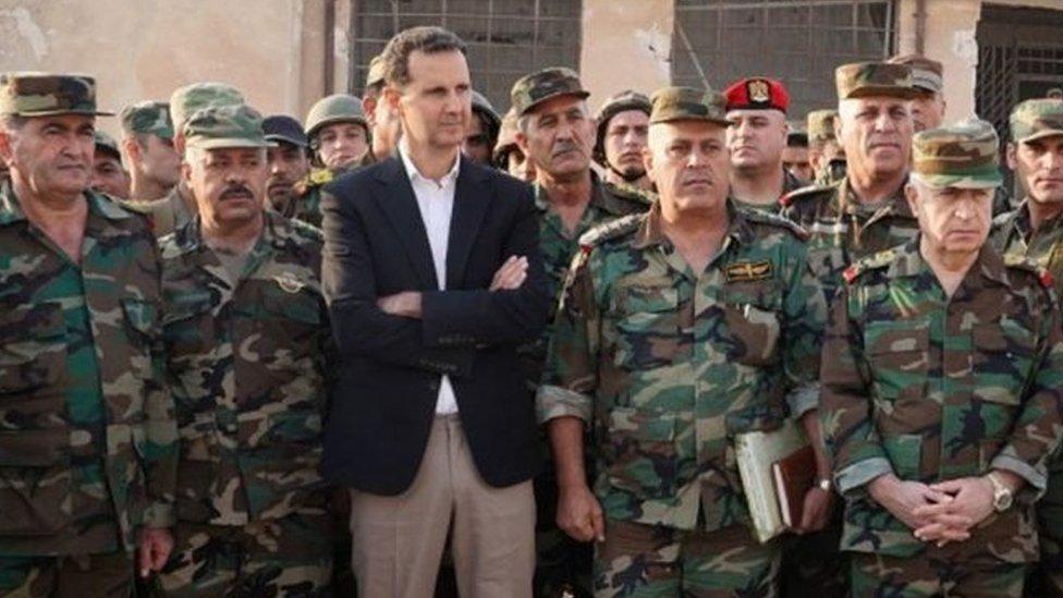 Esad, Erdoğan ve Putin'in görüştüğü gün İdlib'e giderek askerlerle bir araya geldi