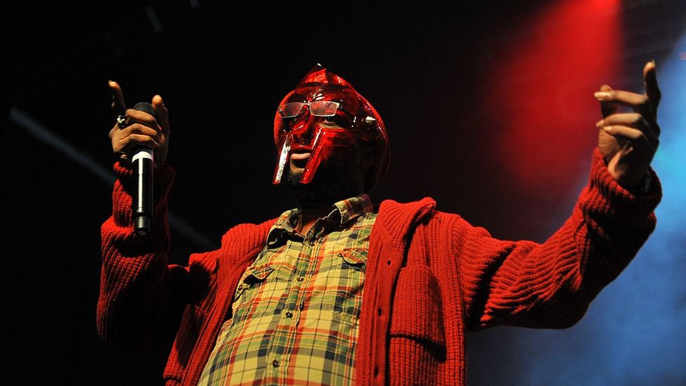 MF Doom: Hip-hop star dies aged 49 thumbnail