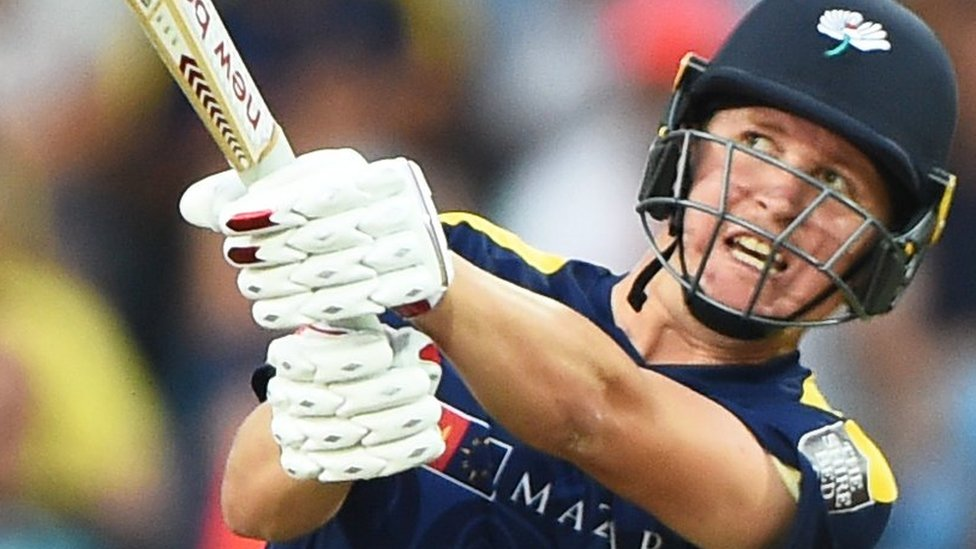 One-Day Cup: Gary Ballance blasts Yorkshire to thumping victory over Leicestershire