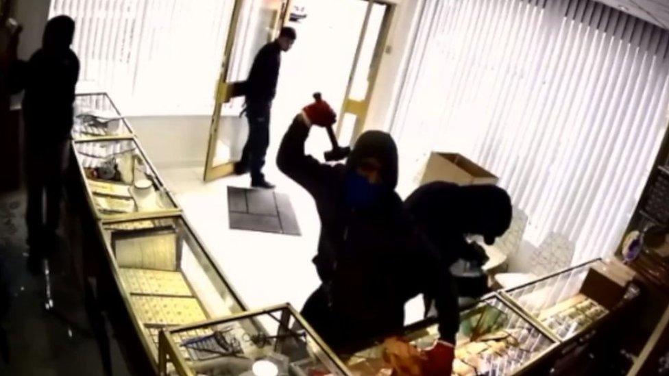 CCTV shows £300,000 Newcastle jewellery shop raid