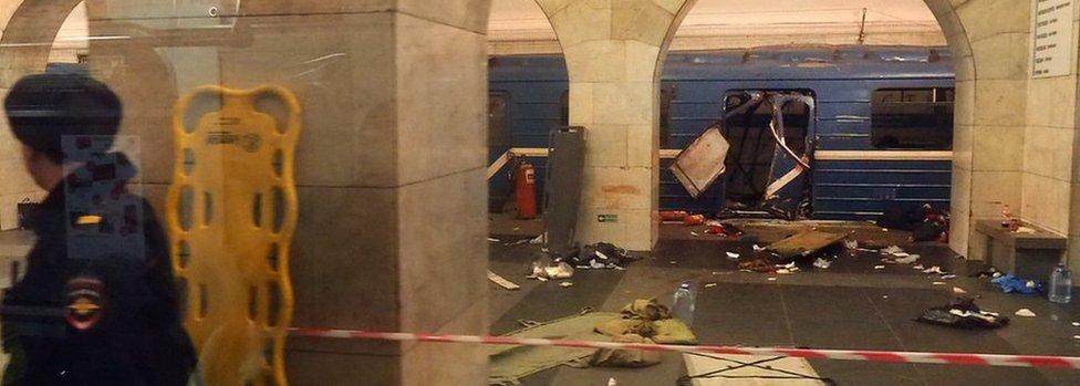 The damaged train carriage at Tekhnologichesky Institut station metro station in St Petersburg, 3 April 2017