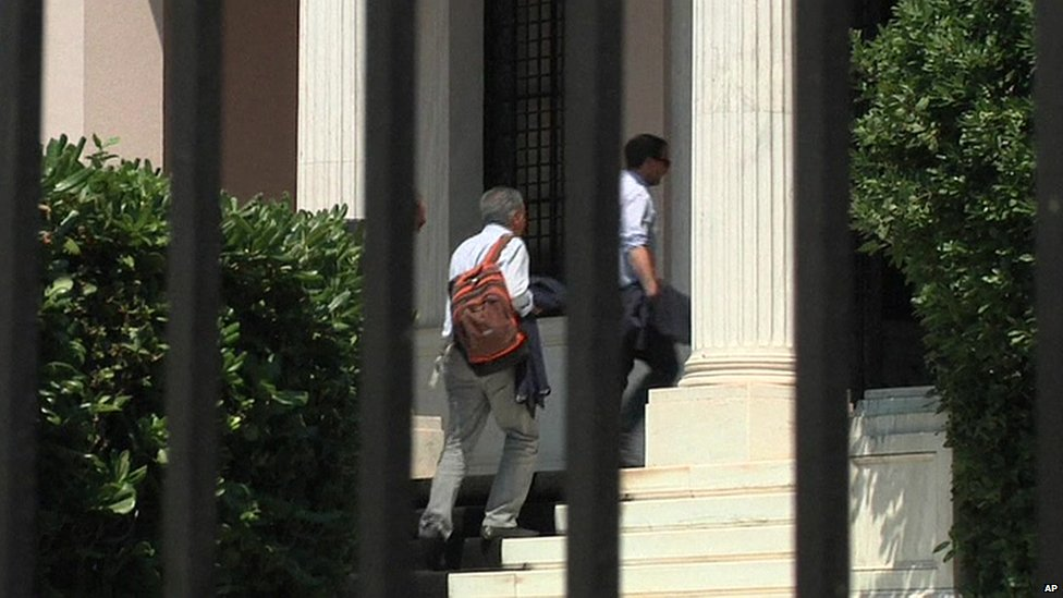 Greek cabinet ministers arriving at PM's official residence (9 July 2015)
