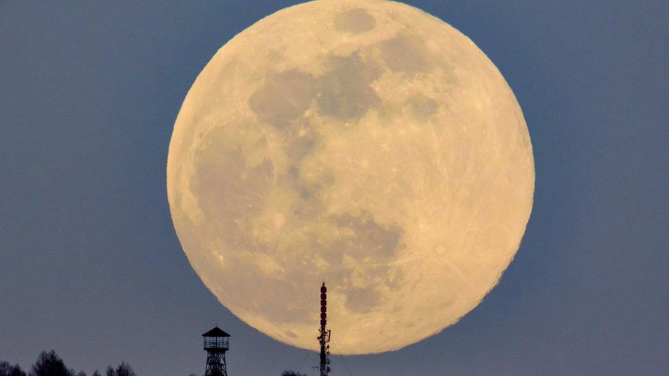 super mesec u budimpešti
