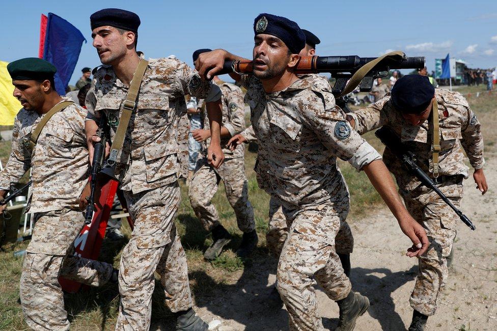 伊朗陸戰隊兵力為2600人。