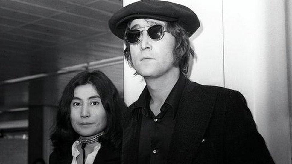 جون لينون وزوجته يوكو أونو