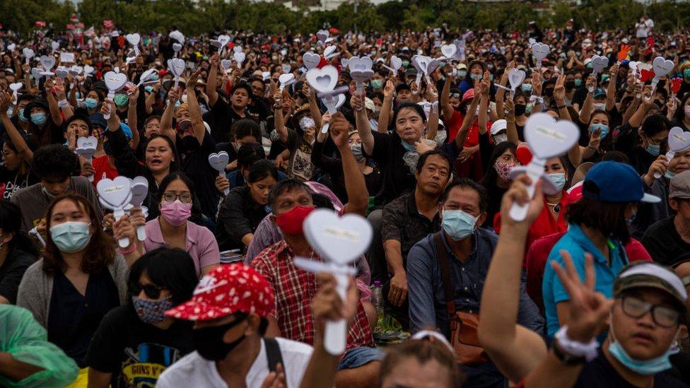 Anti-government protestors rally at Sanam Luang