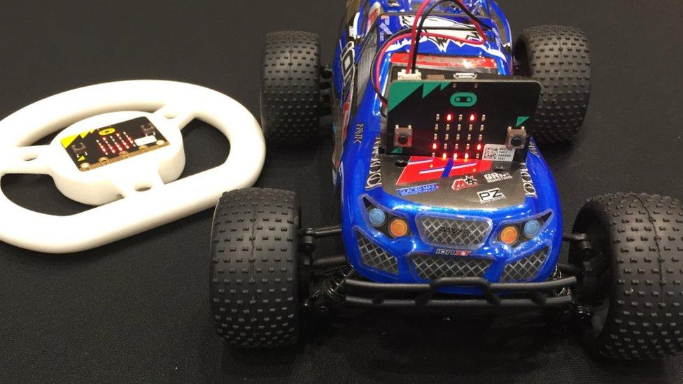 Micro Bit electronic car