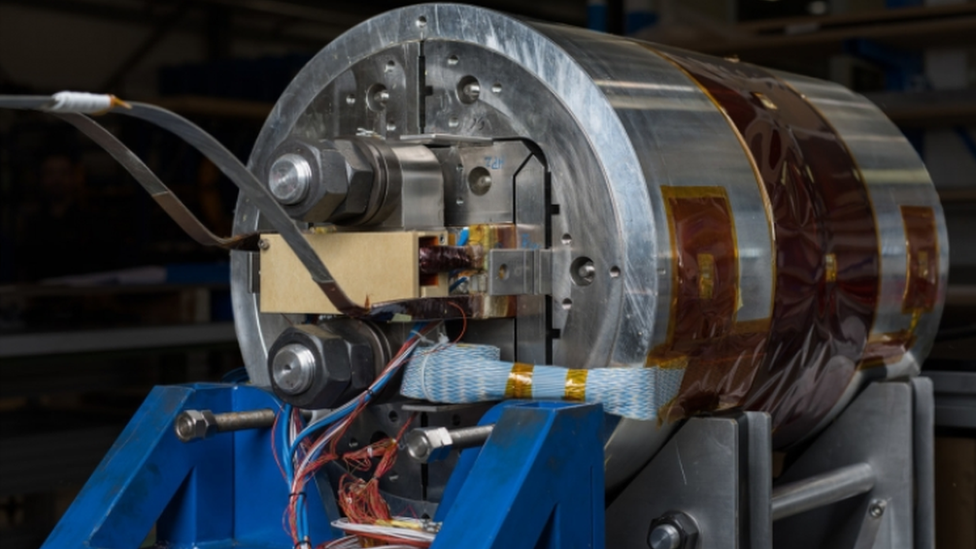 New, more powerful magnets capable of bending the FCC's more powerful beam are being developed at Cern.