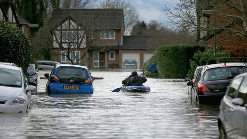 Surrey floods 2014: Flood volunteers 'drained resources'