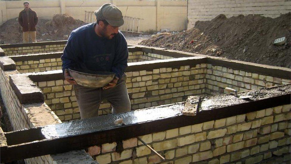 أعمال بناء في بغداد