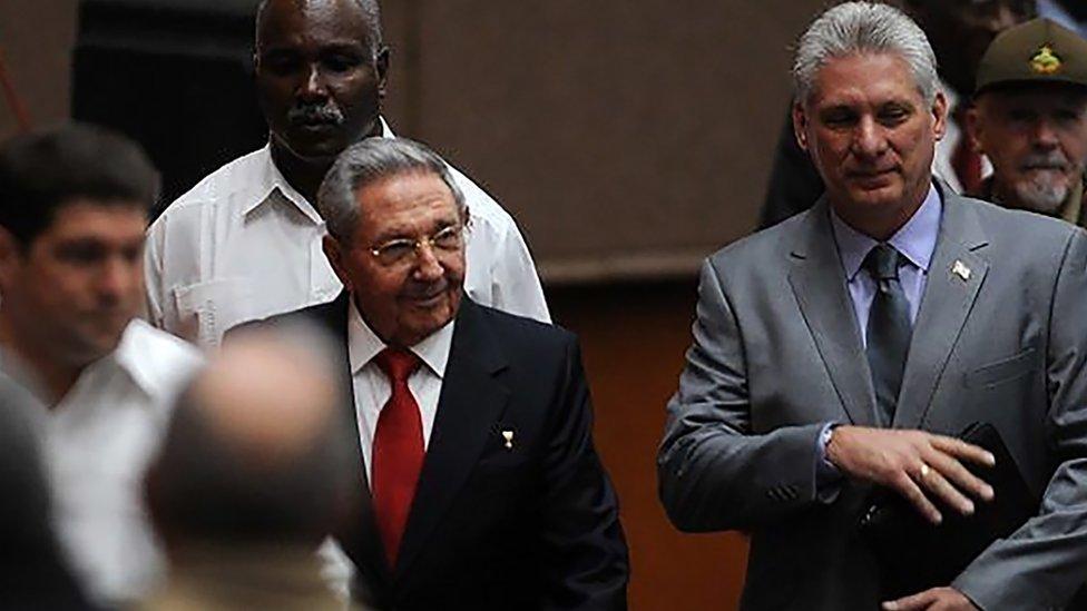 Raúl Castro y Miguel Díaz-Canel a su llegada este miércoles a la reunión de la Asamblea Nacional de Cuba.