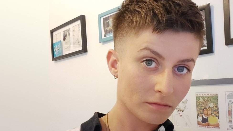 Why Do Women Pay More For A Short Haircut Bbc News