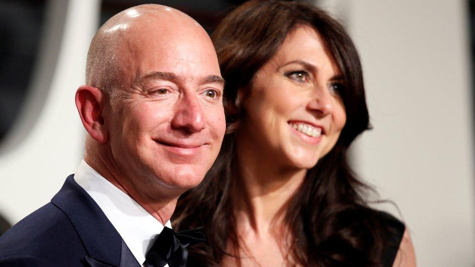 Jeff Bezos y MacKenzie Bezos.