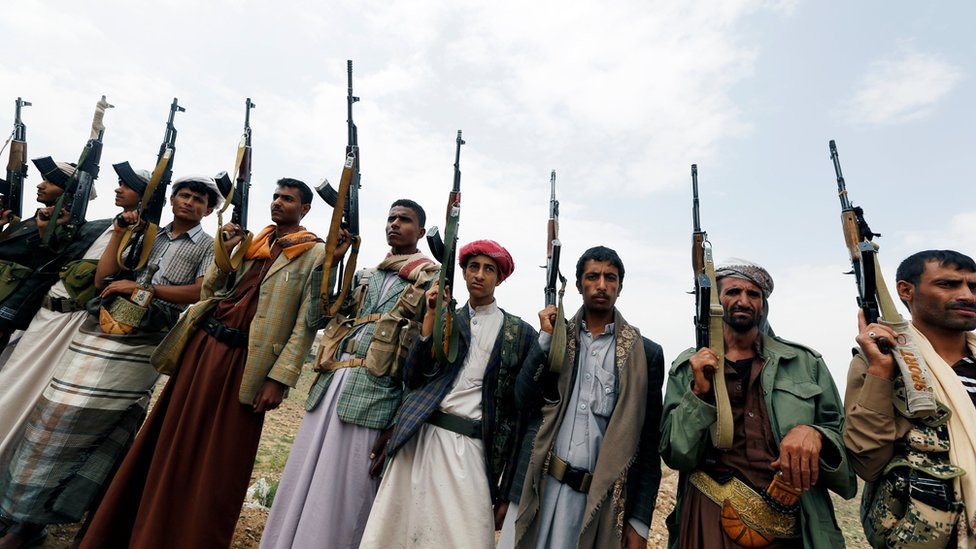 Tribesmen loyal to the Houthi movement