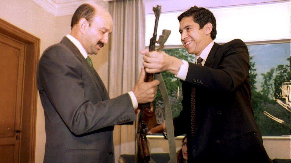 Joaquín Villalobos y Carlos Salinas de Gortari