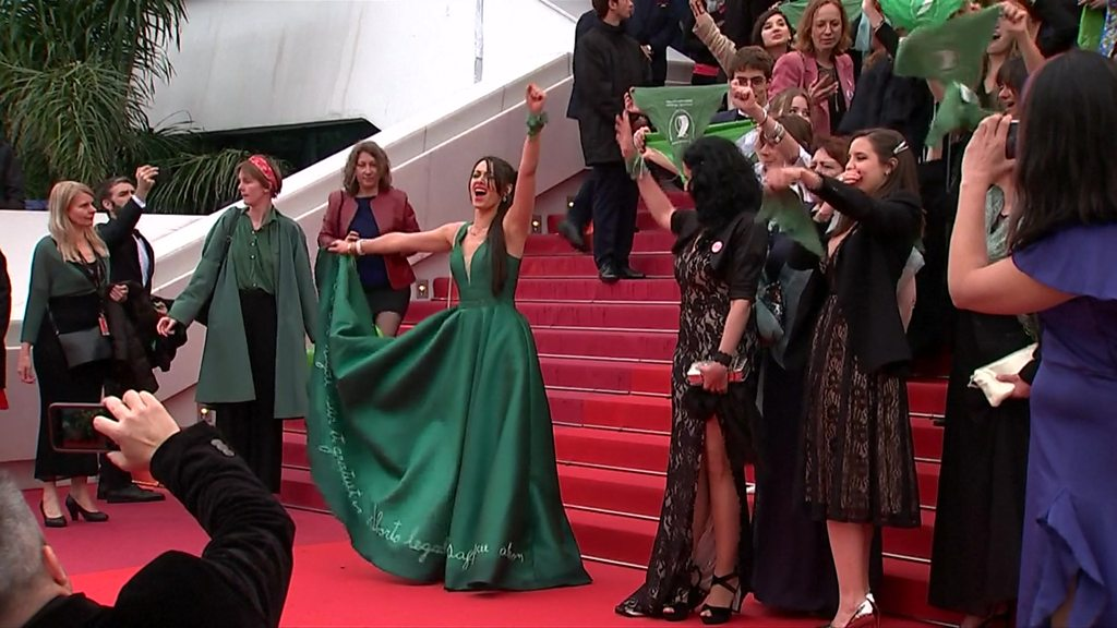 Argentine abortion campaigners take to Cannes red carpet
