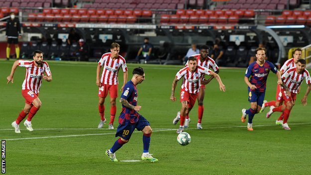 Lionel Messi scores a Panenka penalty against Atletico Madrid