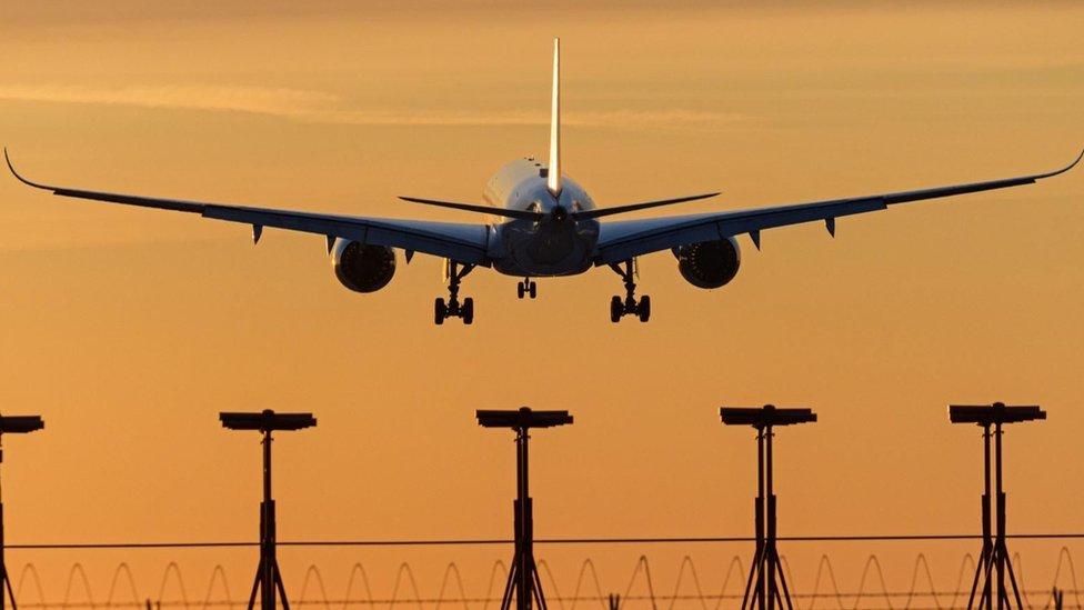 أشاع تفشي وباء كورونا اضطرابات غير مسبوقة في أوساط صناعة الطيران