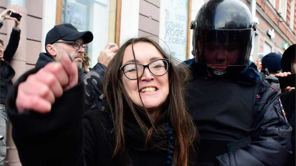 Yelena Grigoryeva, durante una protesta en 2018 en San Petersburgo.