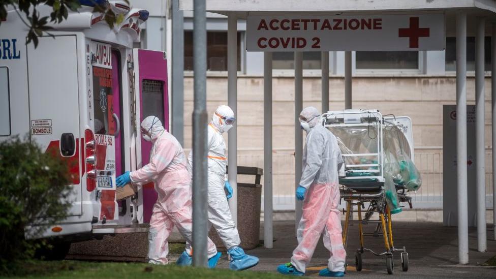 İtalya'da hastaneye götürülen bir hasta