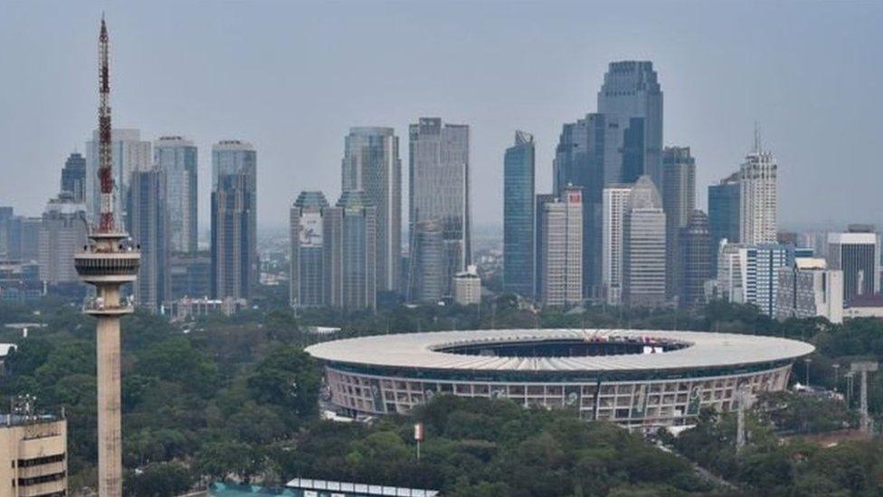 इंडोनेशिया अपनी राजधानी क्यों बदलना चाहता है
