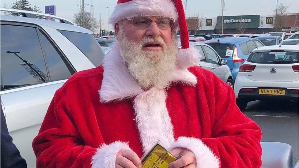 Father Christmas given parking ticket at shopping centre