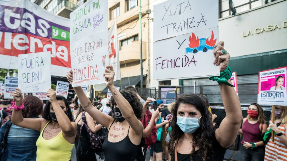 Manifestación en Buenos Aires por el crimen de Úrsula Bahillo.