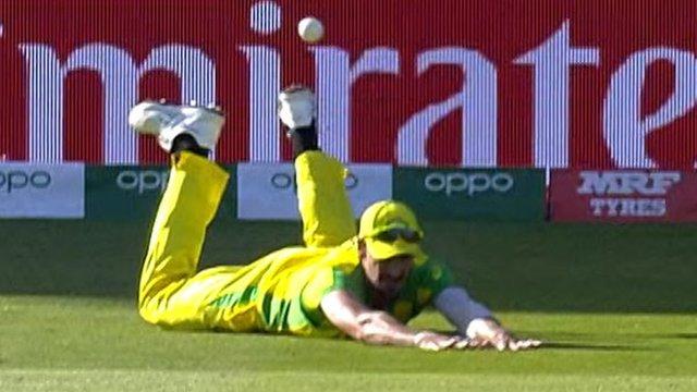 Cricket World Cup: Australia's Mitchell Starc's 'belly flop' catch attempt against Bangladesh