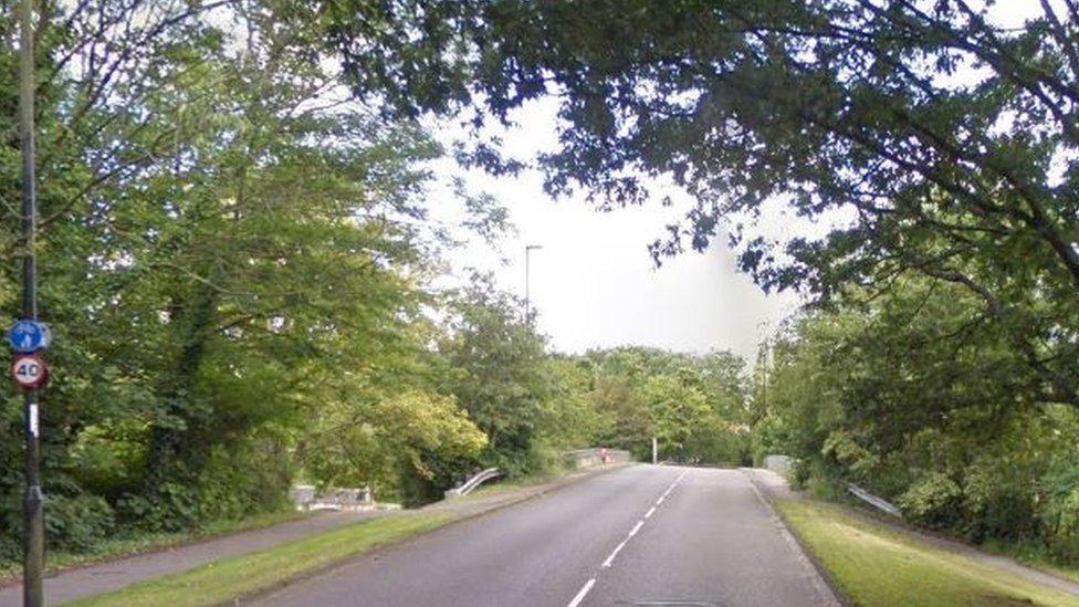 A27 Mansbridge Road