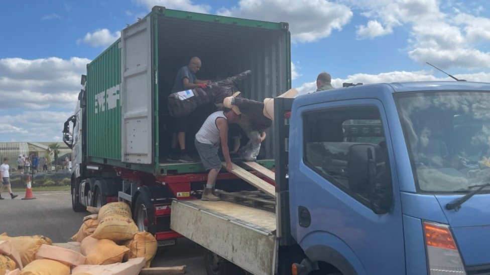 Dinosaur being unloaded