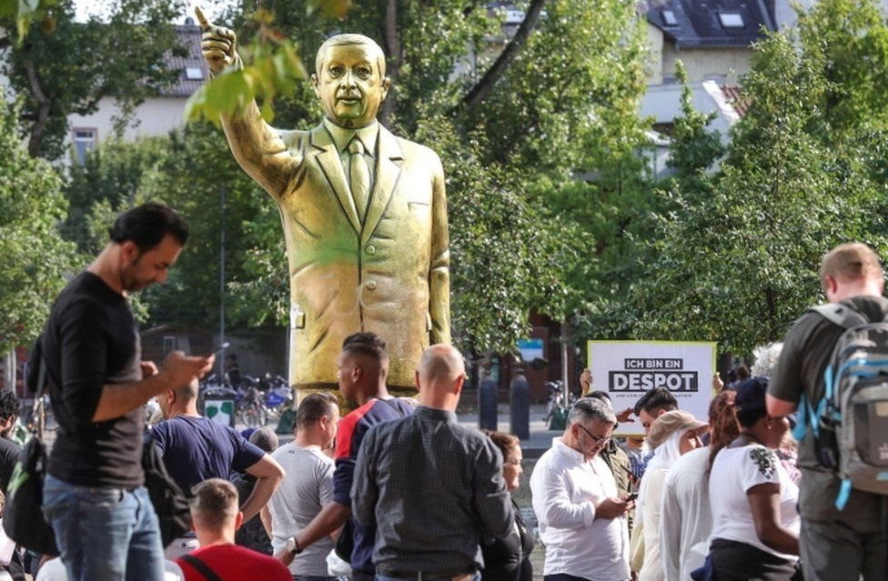 Статуя Ердогана