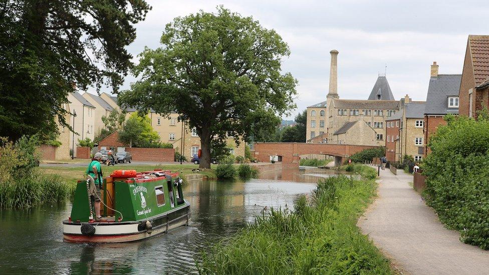 Canal near Stroud