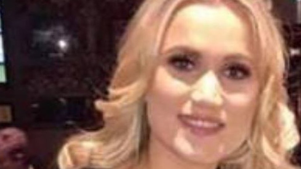 Hen party drowning: Wedding dress burial for Ruth Maguire