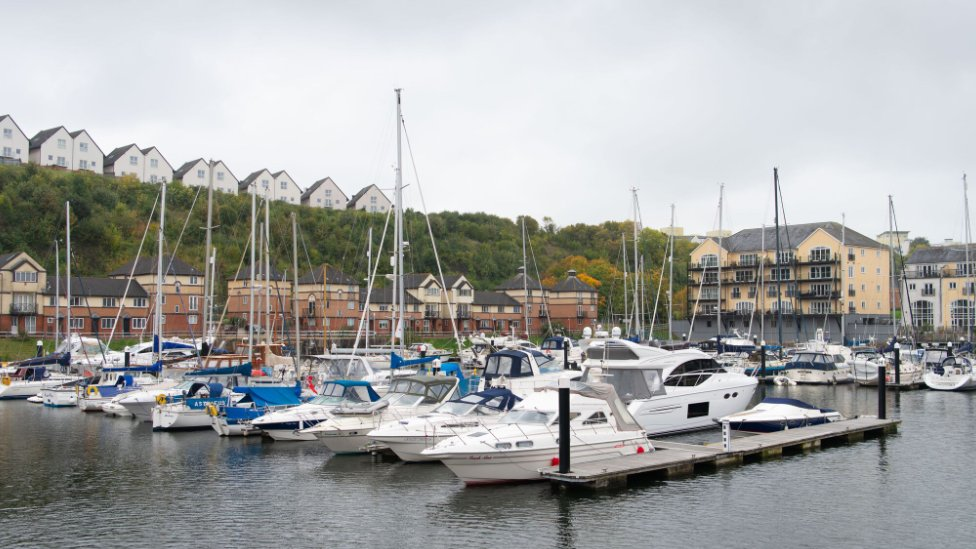 Tributes to rugby player pulled from Penarth Marina