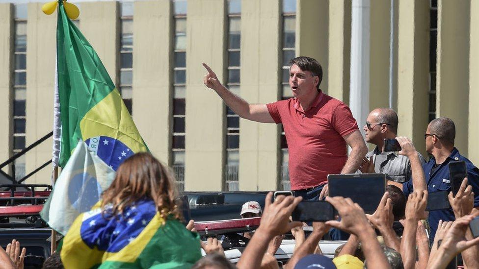 Bolsonaro ante sus partidarios en Brasilia el pasado 19 de abril