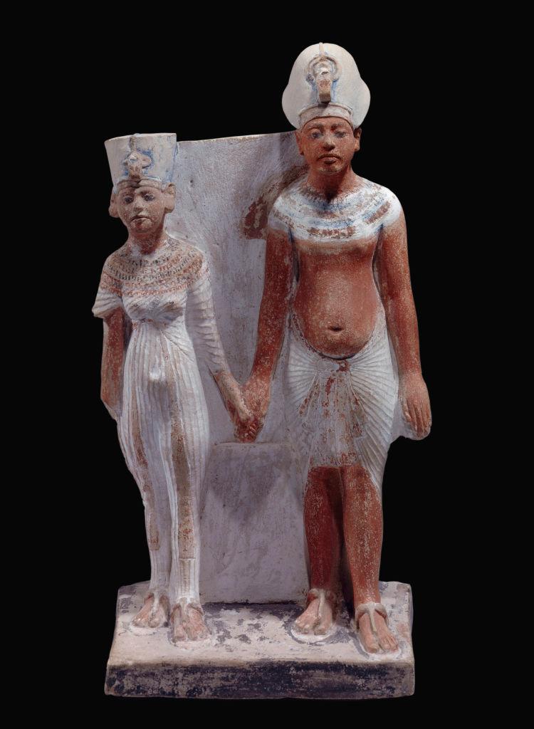 الملك أخناتون وزوجته الملكة نفرتيتي