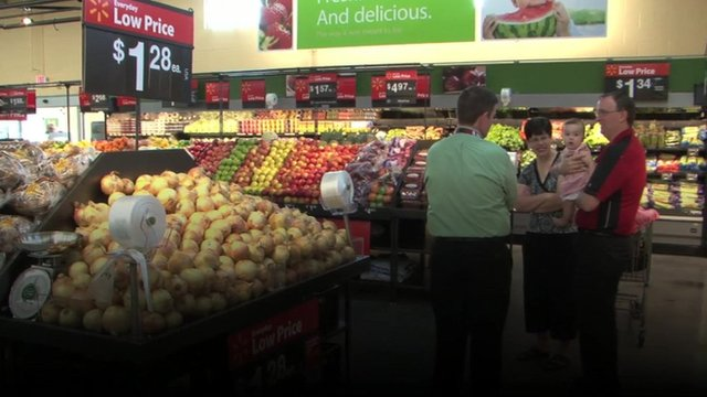Shoppers in a US supermarket