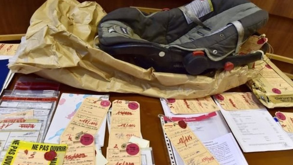 الأدلة المقدمة إلى المحكمة شملت كرسي أطفال متسخا وعليه بقع البول والبراز